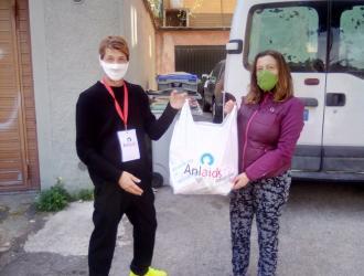 Consegna mascherine all'Unità di Strada Cabiria a Perugia